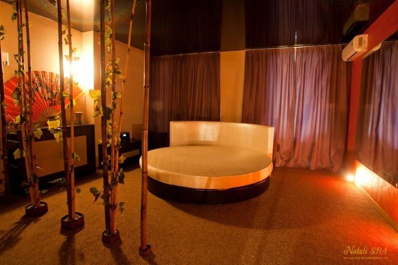 eroticheskiy-massazh-saloni-spa